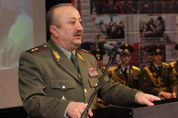 Бывший глава Генштаба ВС Армении о поражении в Карабахе