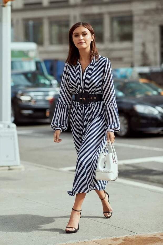 Летние платья 2021 с модным принтом в полоску