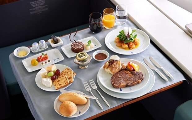 40 000 долларов сэкономила American Airlines, убрав всего лишь одну оливку из салатов, которые подают пассажирам первого класса.
