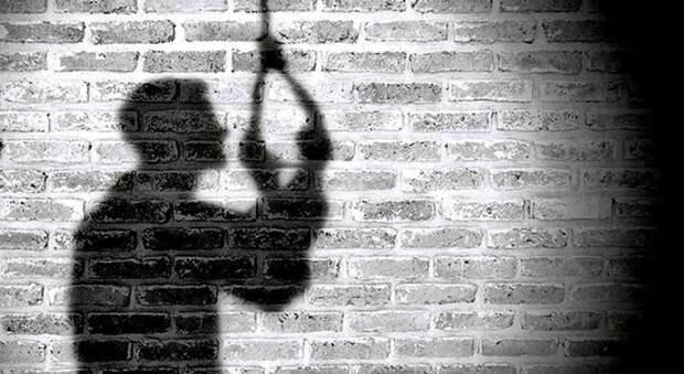 В Сухобуземском полицейские спасли мужчину от опрометчивого поступка