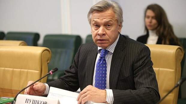 """Пушков оценил попытку Байдена """"запугать"""" Путина """"зависимостью"""" от Китая"""