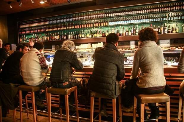 Случай в кафе-баре