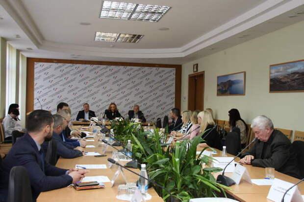 Кто вошел в новый состав Общественной палаты Крыма