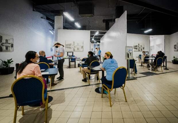 Еще в одном ТРЦ Нур-Султана открыт пункт вакцинации от коронавируса