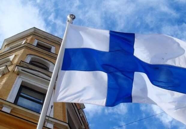 Финляндия активно претендует на Ингерманландию. То есть Ленинградскую область