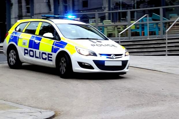 В Великобритании мужчина набросился на группу людей с ножом: погибли три человека
