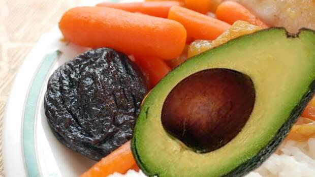 Три самых эффективных продукта в очищении сосудов от холестерина