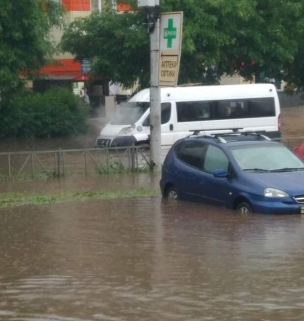 Улицы Рязани вновь затопило после ливня