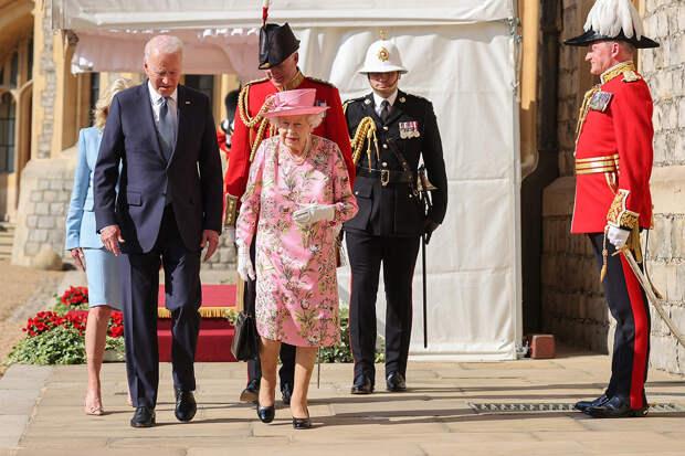 Как прошла встреча Джо и Джилл Байден с Елизаветой II