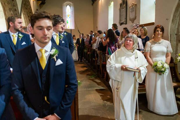 Небанальные фотографии свадеб с юмором