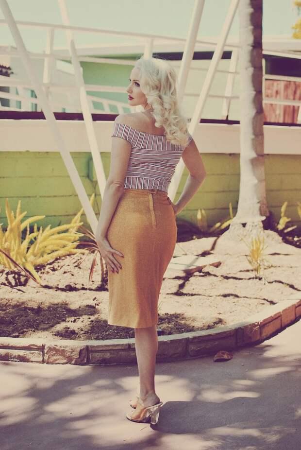 Современные девушки в образе винтажных красавиц.