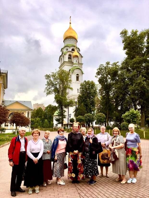 Старообрядческий монастырь посетили пенсионеры из Савеловского