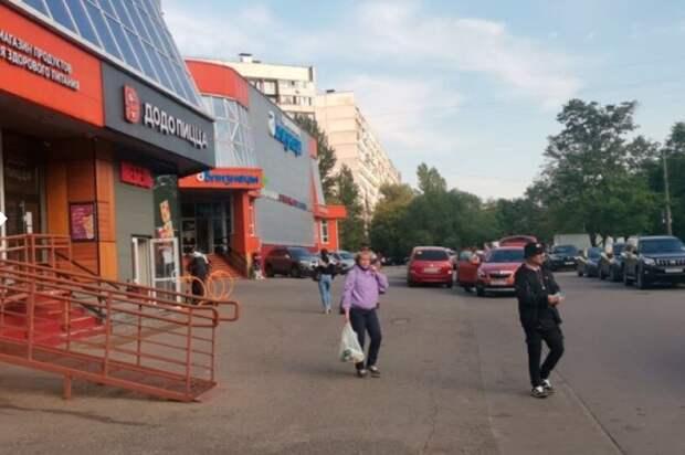 Мешавшие свободному проходу незаконные ограждения снесли на Лескова