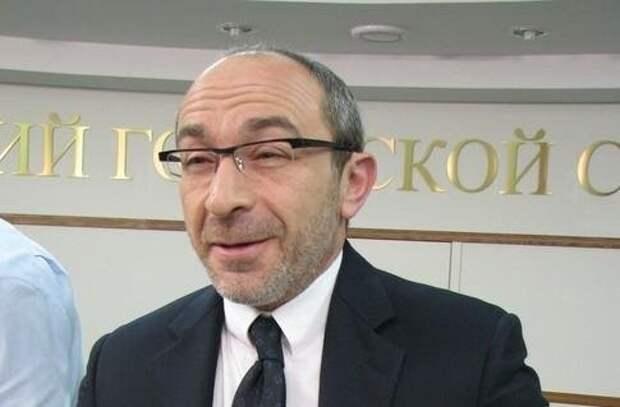 Мэра Харькова Геннадия Кернеса неизвестные намерены люстрировать прямо в гостиничном номере