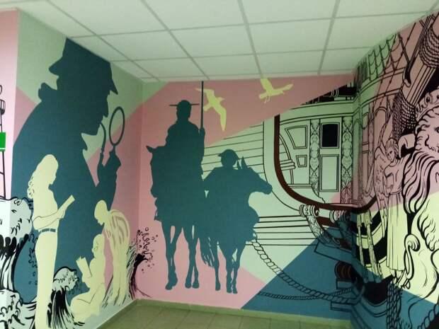 Выпускники УдГУ расписали стены университета в качестве своей дипломной работы