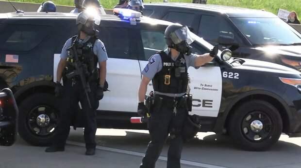 Стала известна причина убийства 16-летней афроамериканки полицейским в США