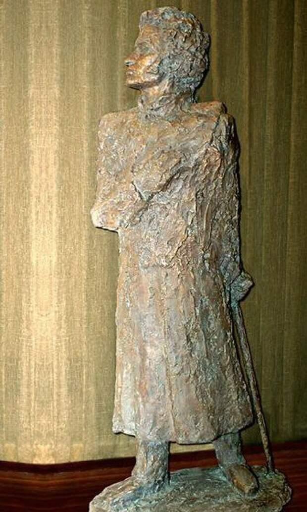 6. Бронзовый памятник, установленный в Пекине памятники, ссср