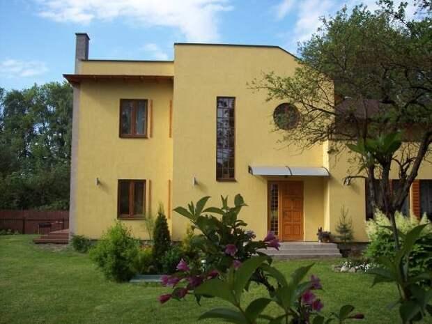 Желтый цвет фасада дома - яркий фасад дома фото