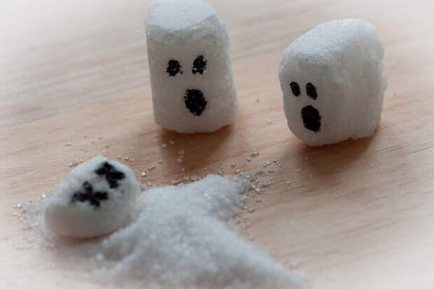 6 реакций организма на то, что женщина после 50 ест слишком много сахара