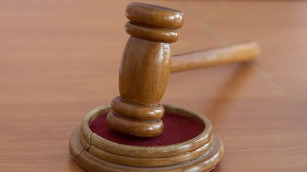 В Свердловской области суд вернул в прокуратуру дело врача, обвинённого в сбыте наркотиков