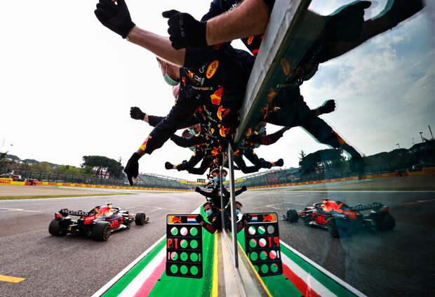Хорнер считает, что машина Mercedes лучше, чем у Red Bull Racing