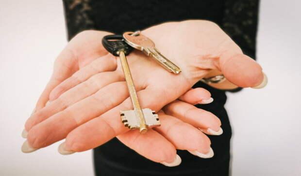 Выселили вникуда. Семья изОмска добилась выдачи квартиры взамен аварийной