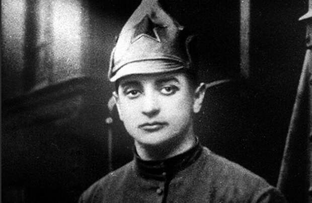 Тухачевский мечтал о блестящей военной карьере.