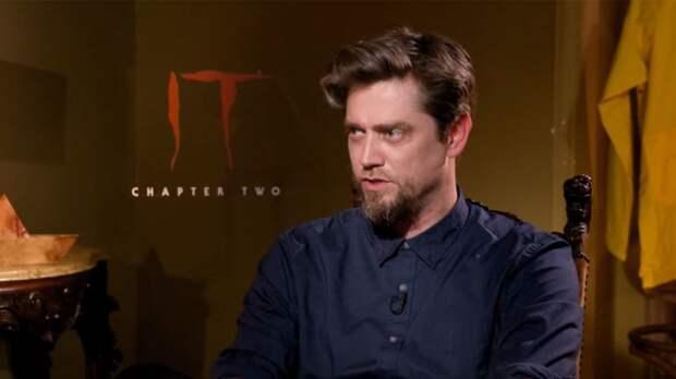 Режиссер «Флэша» впервые показал костюм Супергерл для нового фильма