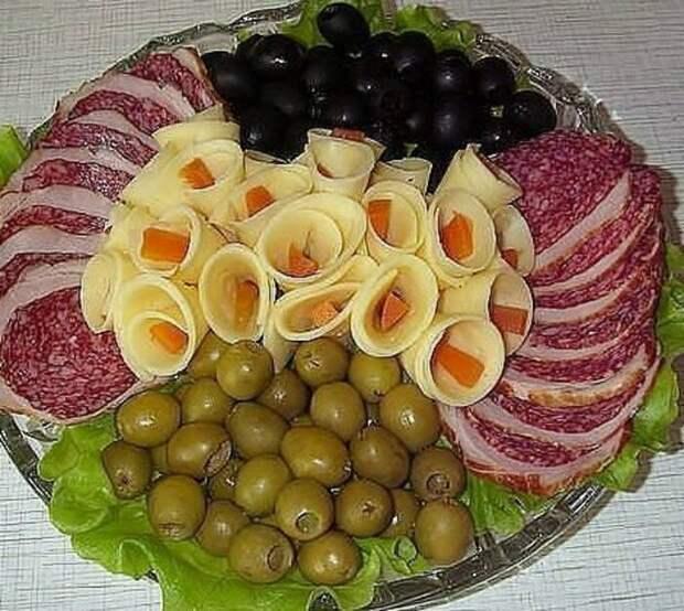 Оформляем красиво мясную и овощную нарезку