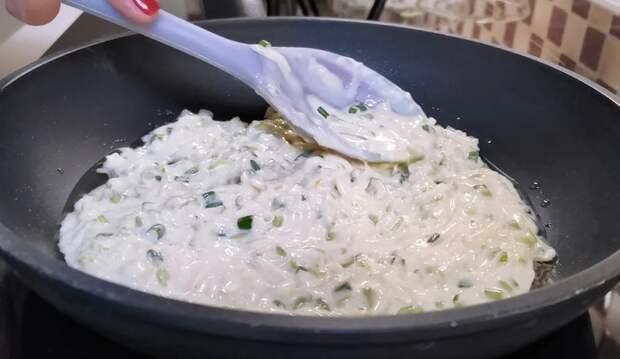 Готовлю мягкие лепешки с кабачками. На завтрак и для перекуса: жарю как блины на сковороде