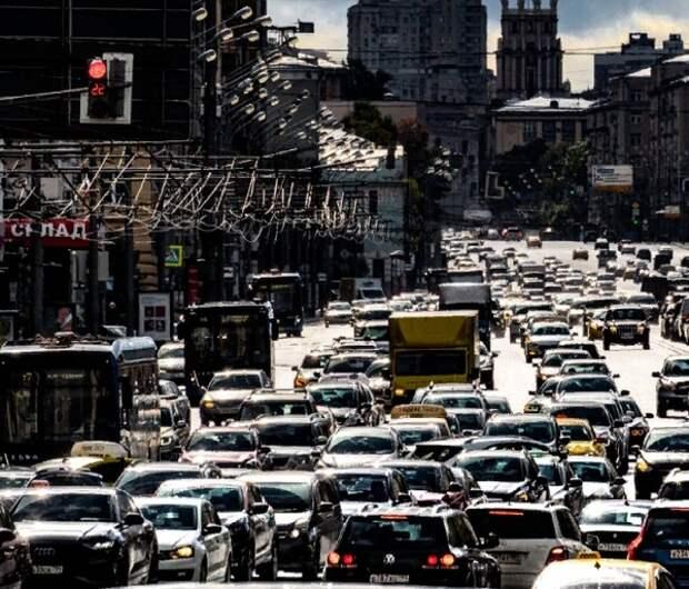 Плату за проезд в общественном транспорте планируют отменить - платить будут автомобилисты