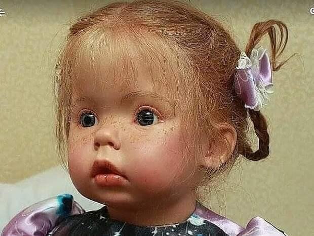 В России создали такую куклу .Я хочу, чтобы наши девчонки были похожи на неё,а не на Барби.... Одни веснушки чего стоят!!!!!