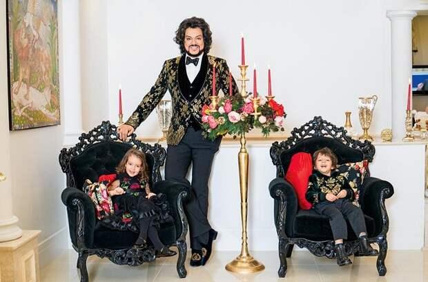Филипп со своими детьми: дочкой Аллой-Викторией и сыном Мартином
