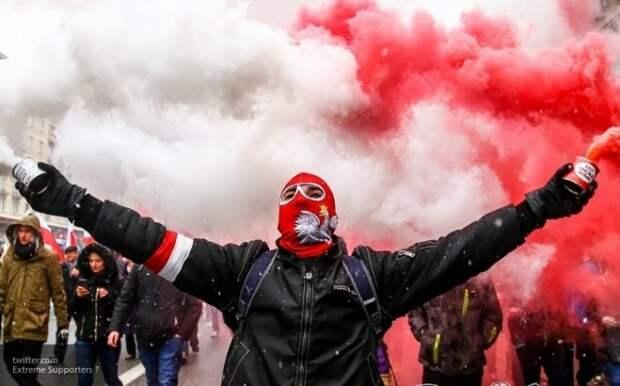 Восточная Европа «вонзает нож в спину» ЕС: Брюссель приступает к шантажу