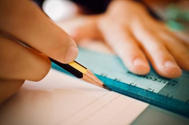 Непройденный материал школьники Удмуртии освоят в следующем учебном году