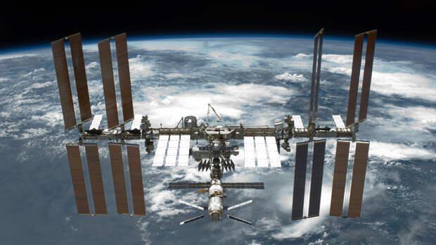 Трое членов МКС совершили посадку в Казахстане