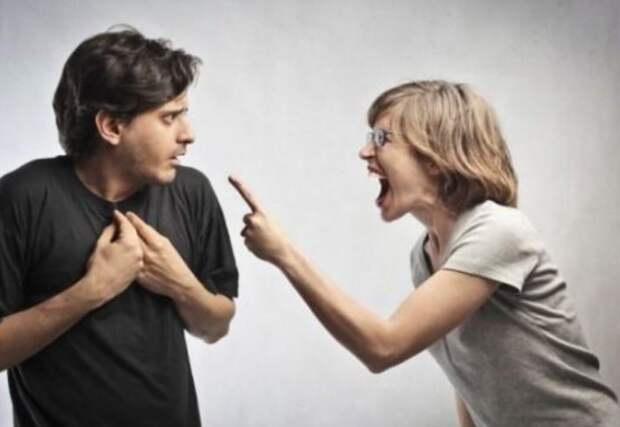 В моем доме даже рот не смейте открывать! Невеста разрушила отношения между сыном и матерью. Мать отказалась от сына.