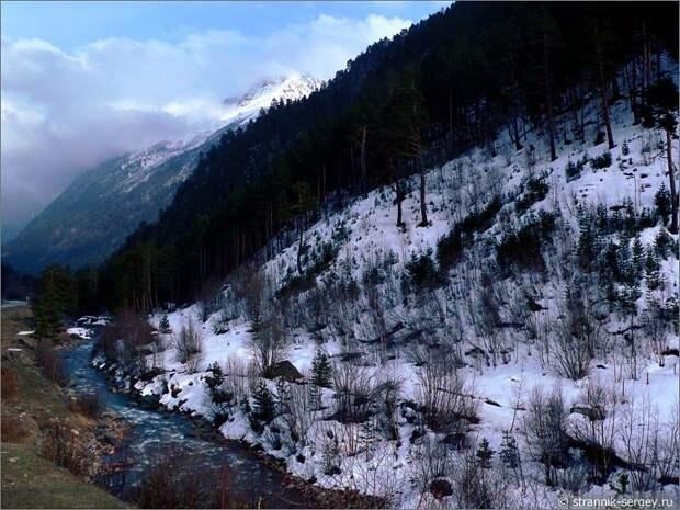 Баксанское ущелье горная река Баксан Большой Кавказский хребет