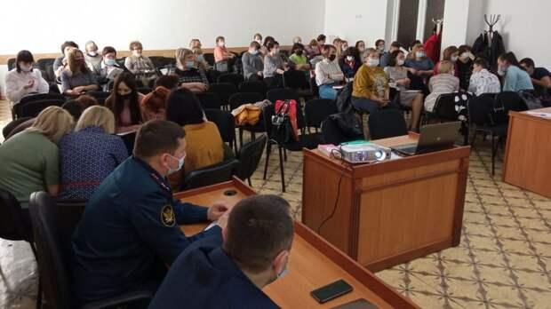 Комиссия по делам несовершеннолетних и защите их прав в Бахчисарайском районе провела круглый стол с органами и учреждениями системы профилактики