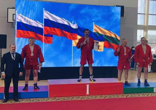 Чемпион мира по самбо среди мастеров живет в Марьине