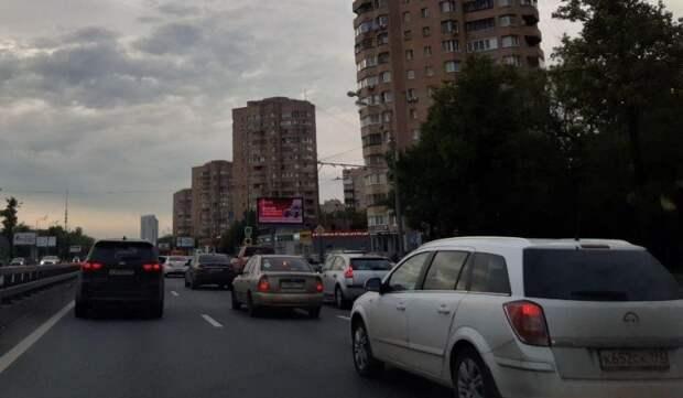Загруженность дорог на Соколе вечером 2 июня достигла трех баллов — «Яндекс. Пробки» Фото: Дмитрий Дунько
