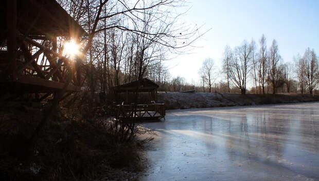 Синоптики рассказали, когда водоемы в Московском регионе начнут покрываться льдом