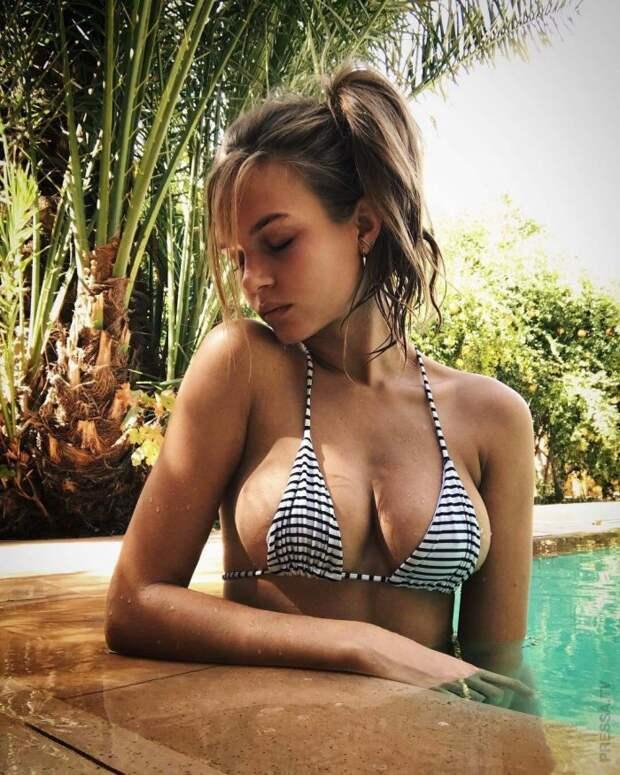 Красотки в купальниках