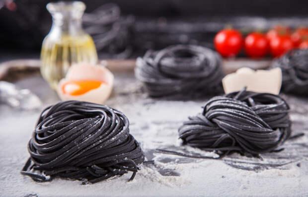 Рецепт дня: чёрная паста с креветками