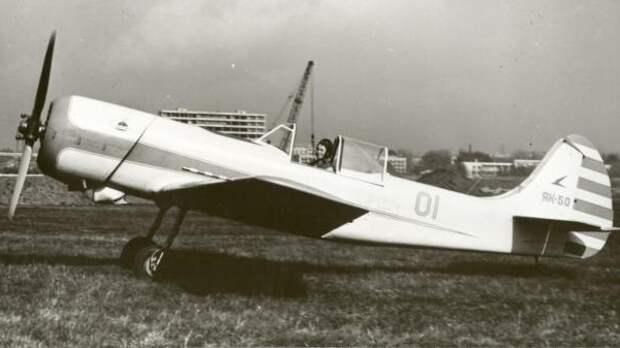 1.Спортивный самолёт Як-50.