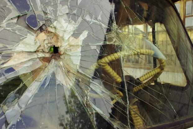 Рядом с Новокуркинским шоссе неизвестный разбил четыре машины
