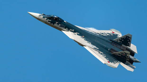 Истребитель Су-57 летчик-испытатель сравнил с современным гаджетом