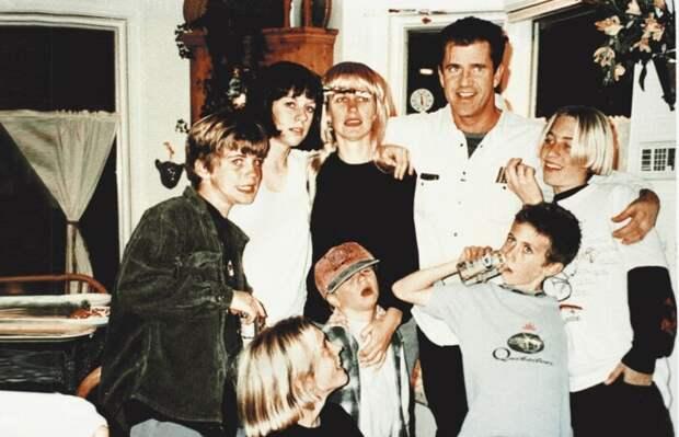 Мел Гибсон с детьми