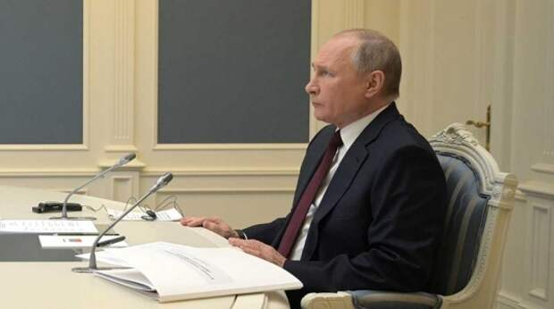 """Выступление Макрона на саммите по климату """"перебили"""" Путиным"""