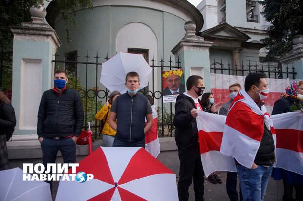 Озверевшие беломайданщики в Москве набросились на блогера Сергея Рулёва